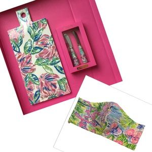 Lilly Pulitzer Serving Board, Spreaders and Mask